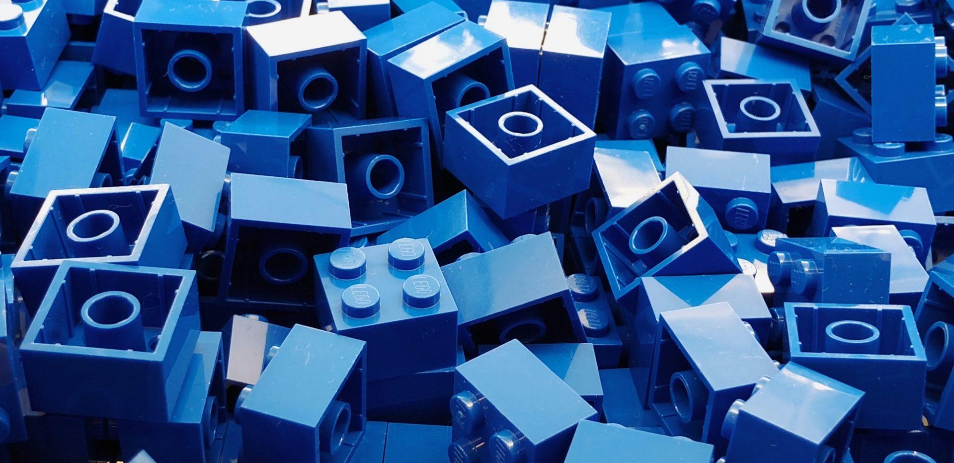 Talrige blå LEGO-klodser